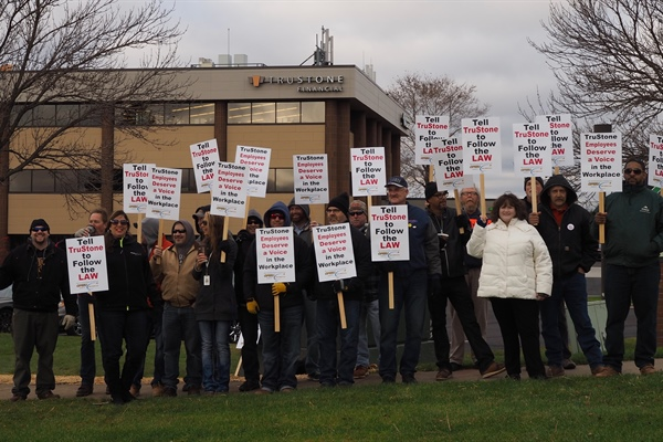 Informational picket at TruStone Finanical Credit Union Burnsville, MN